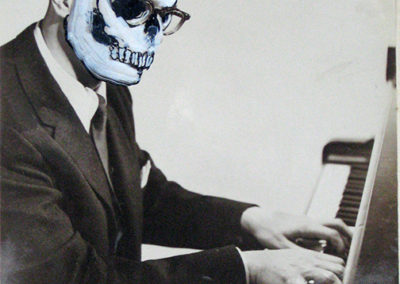 Skull Pianist